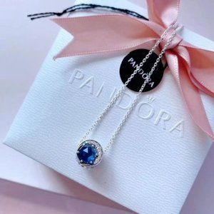 Blue Dazzling Snowflake Chain Necklace